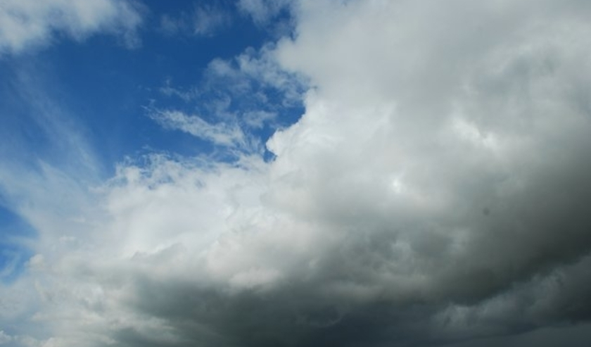 Het is wisselend bewolkt met lokaal een bui.