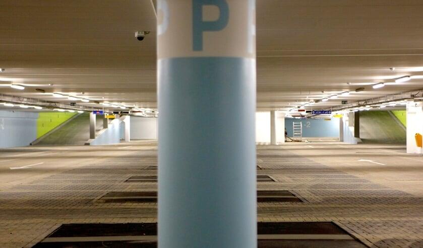 Een lege parkeergarage. Foto ter illustratie