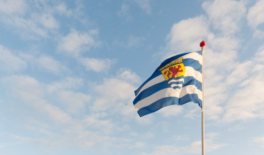 <p>zeeuwse-vlag-zeeland-large_4384519_1389995_8171391_4275085</p>