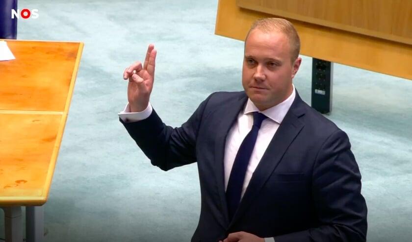 <p>Thierry Aartsen bij de beëdiging in de Tweede Kamer.</p>