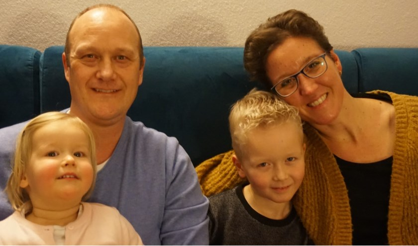 Ilona met haar man en twee kinderen