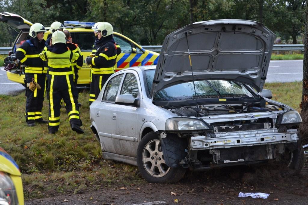 De auto raakte total loss bij het ongeval.  Foto: Perry Roovers © Internetbode
