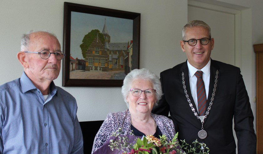 Het echtpaar Michielsen uit Steenbergen keek erg uit naar het bezoek van de burgemeester voor hun 60-jarig huwelijk.
