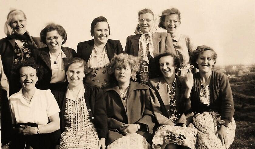 Wie kent deze dames?