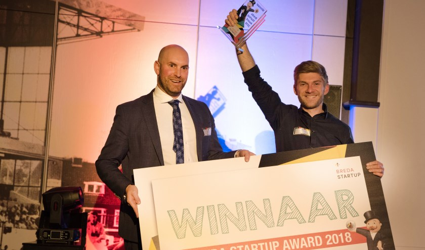 Wethouder Boaz Adank reikt Tymen van Dyl de Breda Startup Award uit in 2018