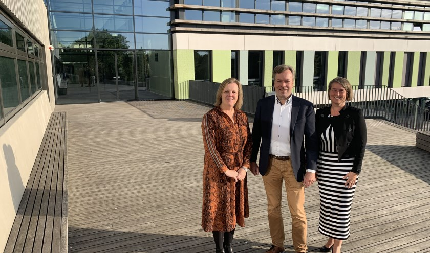 Kiki Nieuwkerk-Post, Harry Meijers en Vivian van der Wielen-Bik werken samen aan een mooie toekomst FOTO REMKO VERMUNT