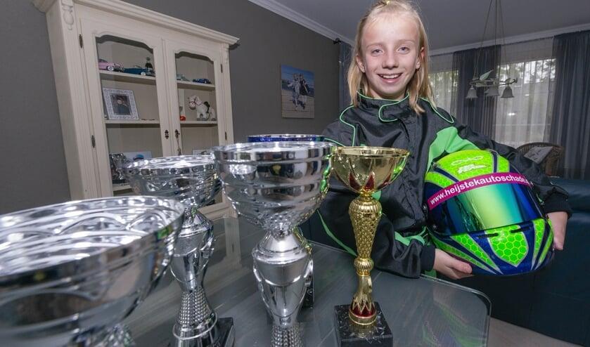 Het 11-jarige karttalent Luna Heynen grossiert in prijzen.
