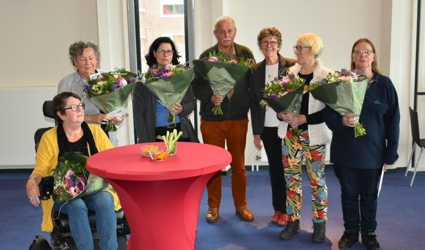 De nieuwe burgeradviseurs met wethouder Els Verhage in hun midden (3e v.rechts)