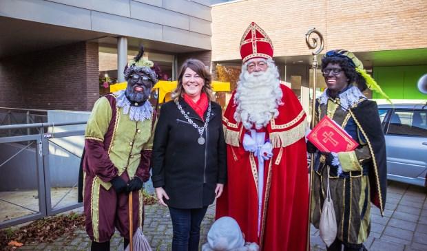 Sinterklaas is aangekomen in Klein Zundert.  Foto: Charles van Campenhout © Internetbode