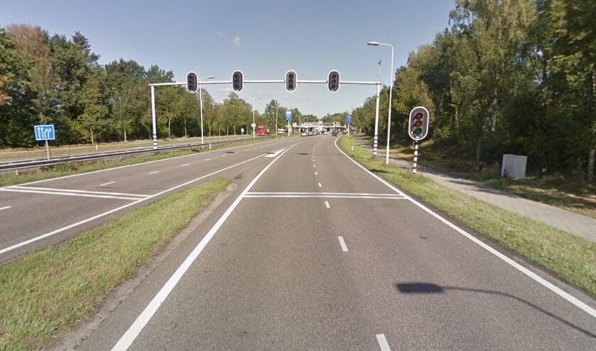 Deze kruising bij de Antwerpseweg is één van de knelpunten die de gemeente gaat onderzoeken