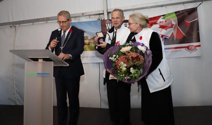Angelo Somers ontving een erepenning der gemeente Steenbergen.