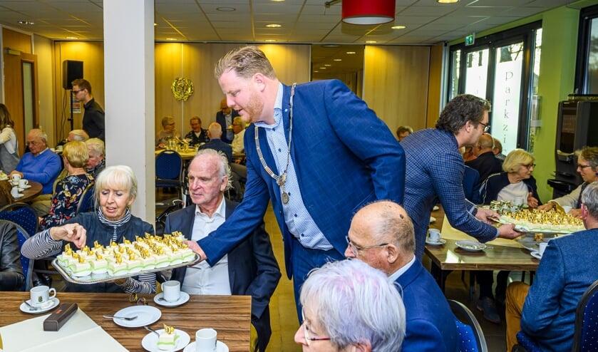 29-11-2019 - Oudenbosch - Foto: Pix4Profs/Peter Braakmann - 50 jaar gehuwden Gemeente Halderberge bijeen in het Gemeentehuis