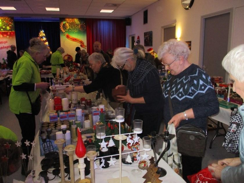 De kerstmarkt in Helwijk.