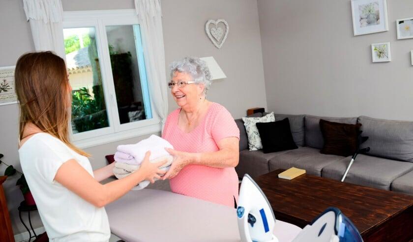 05-zorg-helpen-hulp-ouderen-large