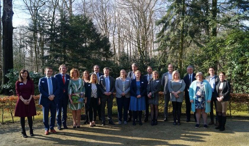 De deelnemers aan 'Bijstandsvrouw date topman' van 2018.