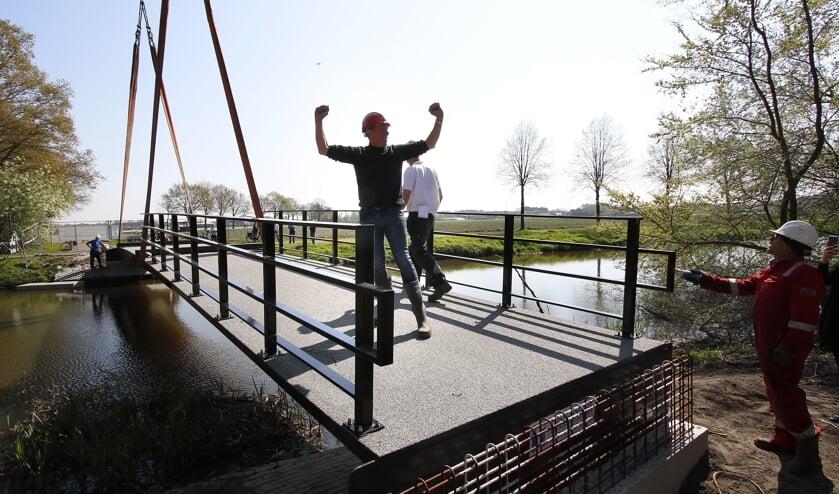 Donderdag 18 april is Breda een brug rijker/ Bij de Klokkenberg verbindt een fietsbrug het landgoed met Ulvenhout.