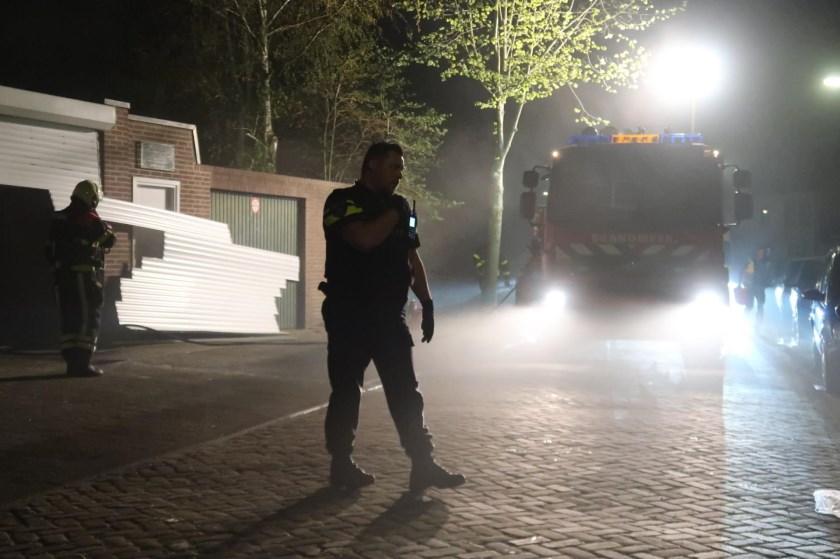 Brandweer en politie in actie bij de Sparrenweg.