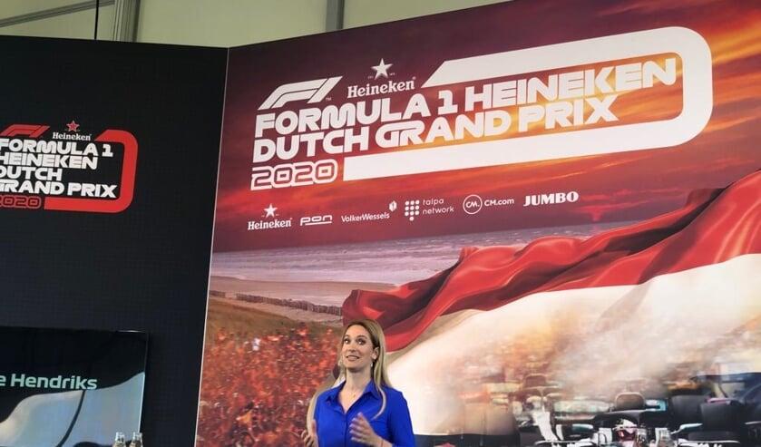 Hélène Hendriks uit Bavel presenteerde de persconferentie in Zandvoort.
