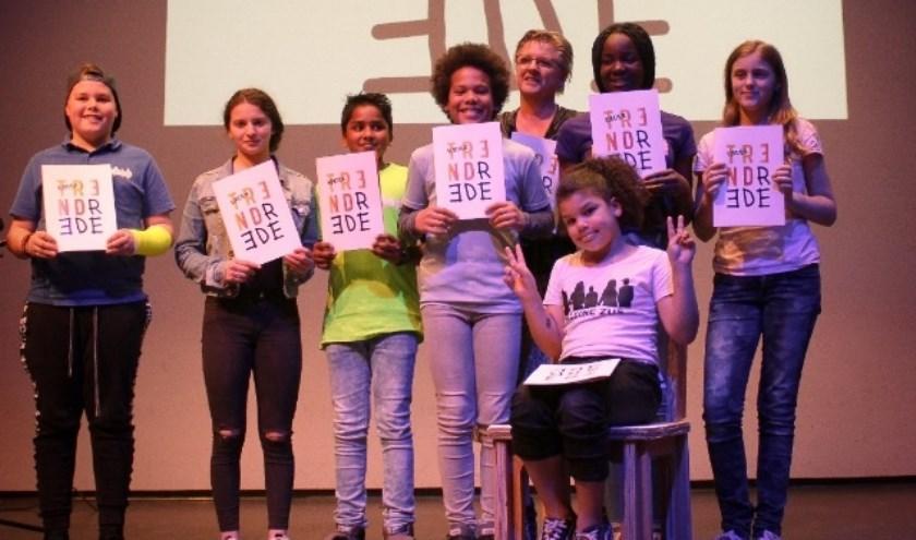 Kinderen presenteren de Kindertrendrede 2019