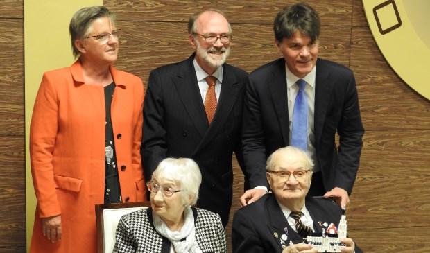 Marianne de Bie, Paul Depla en het echtpaar Slowinski, Ron van Dartel (Nederlandse ambassadeur in Warschau) Foto: Kaska Marcinkiewicz © BredaVandaag