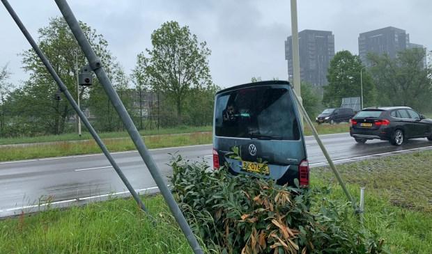Dit bord met een afbeelding van een flitsbusje moet het verkeer doen afremmen. En flitsers uit het zicht houden. Foto: Wesley van der Linde © BredaVandaag