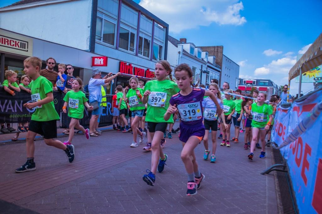 Het was een warme editie van de Van Goghloop.  Foto: Charles van Campenhout © Internetbode