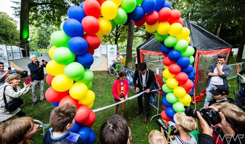 De Kindercultuurnachtburgemeester en de burgemeester openen samen breda barst 2018.