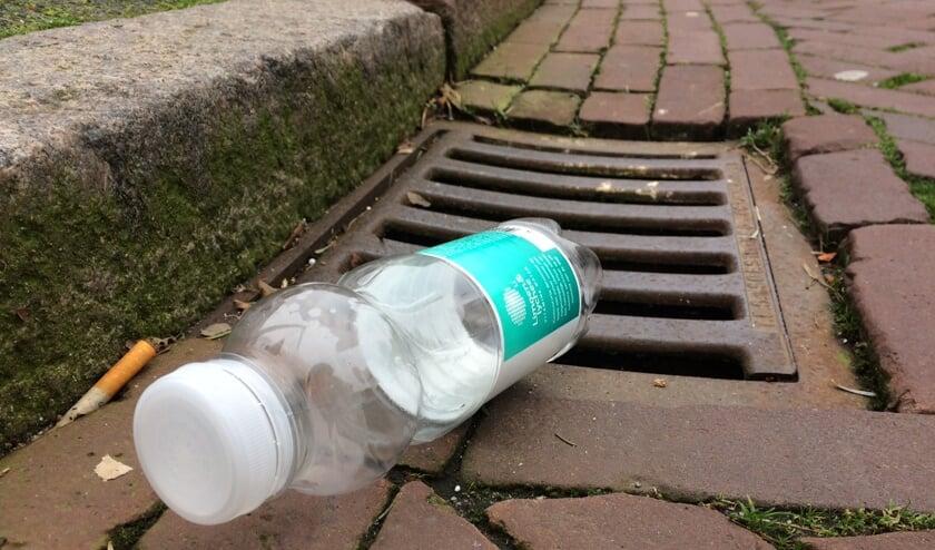 Flesjes zijn een veelvoorkomende vorm van zwerfafval