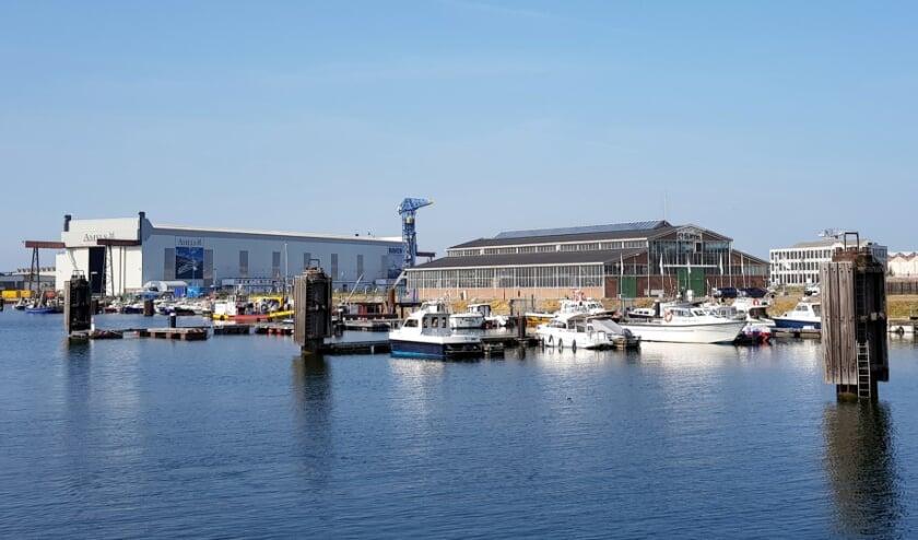 <p>De westelijke landtong van de Binnenhaven krijgen straatnamen Klipperkade, Bark en Brik.</p>