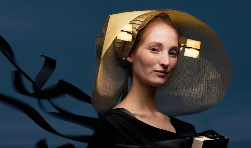 Model Rosanne Hustinx is het gezicht van FbtS 2019 in het artwork van Paulina Matusiak.