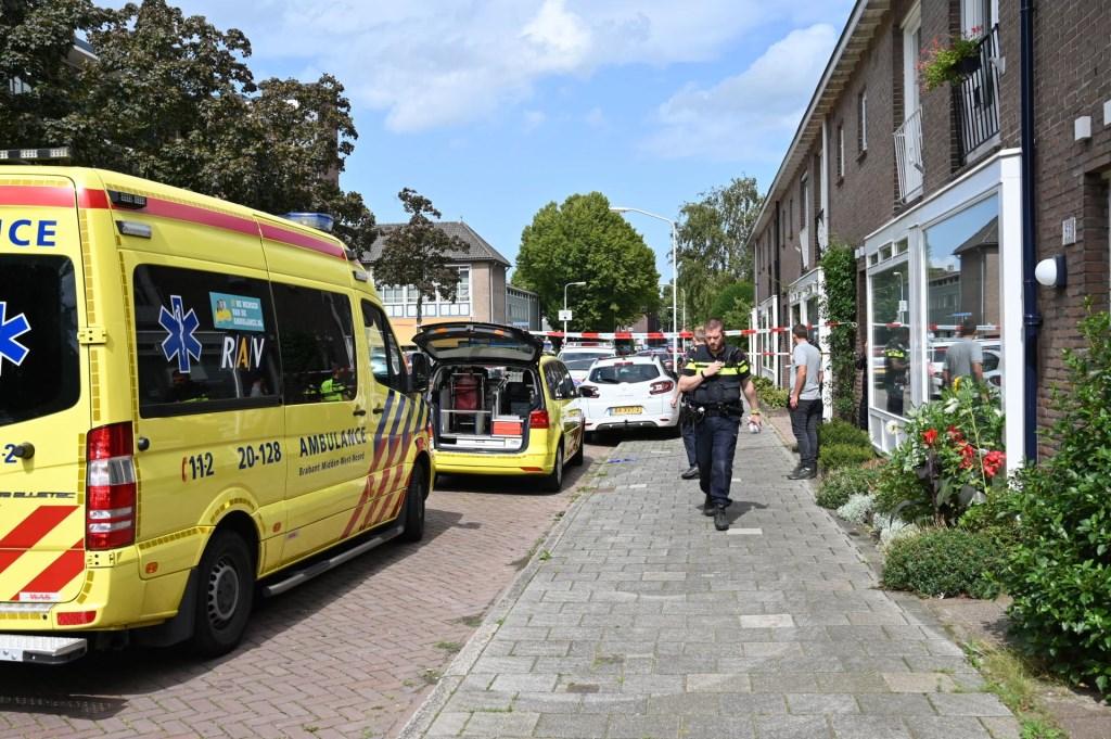 De hulpdiensten zijn massaal aanwezig.  Foto: Tom van der Put © BredaVandaag