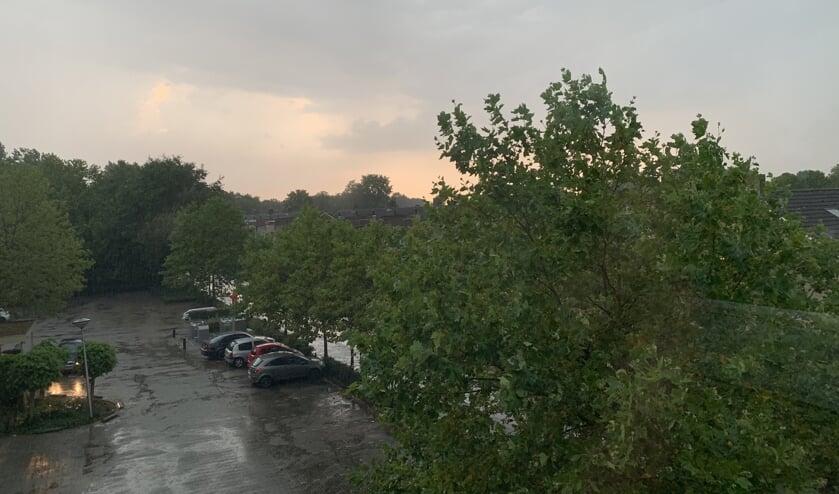 Er worden veel regenbuien voorspeld.