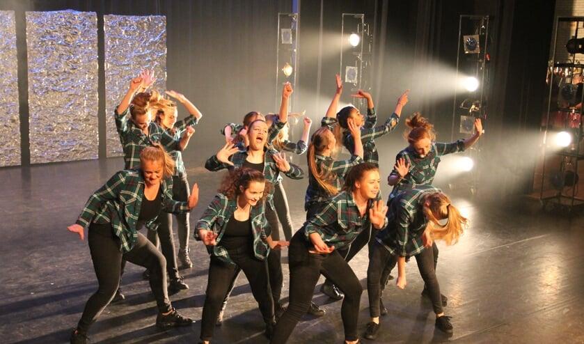 Dansers van DIOS.