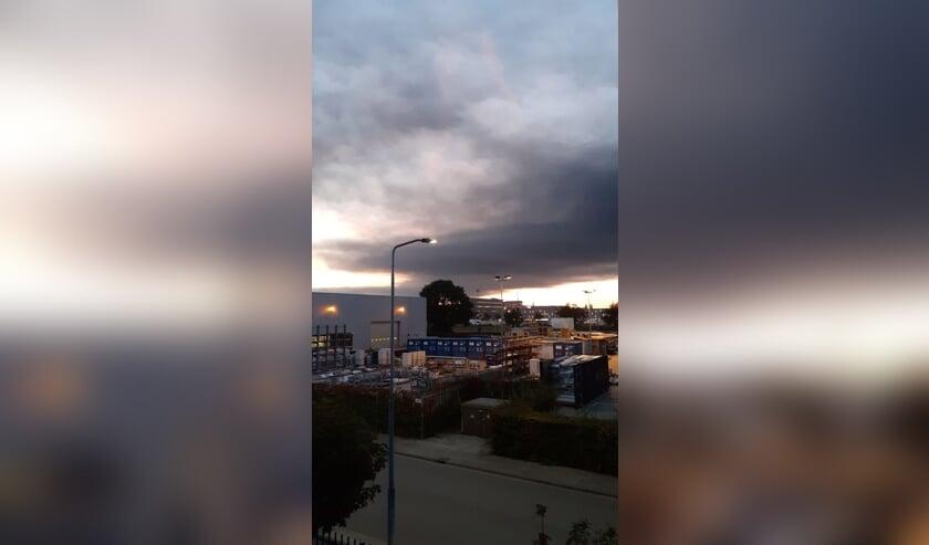 De brand in Tilburg zorgt voor donkere wolken over Breda.