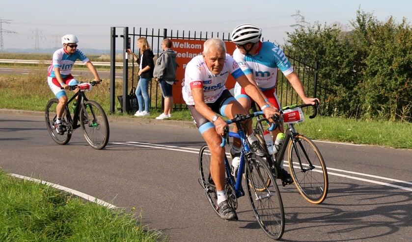 <p>Oud-wielrenner Jo de Roo uit Schore is een van de meefietsende prominenten.</p>
