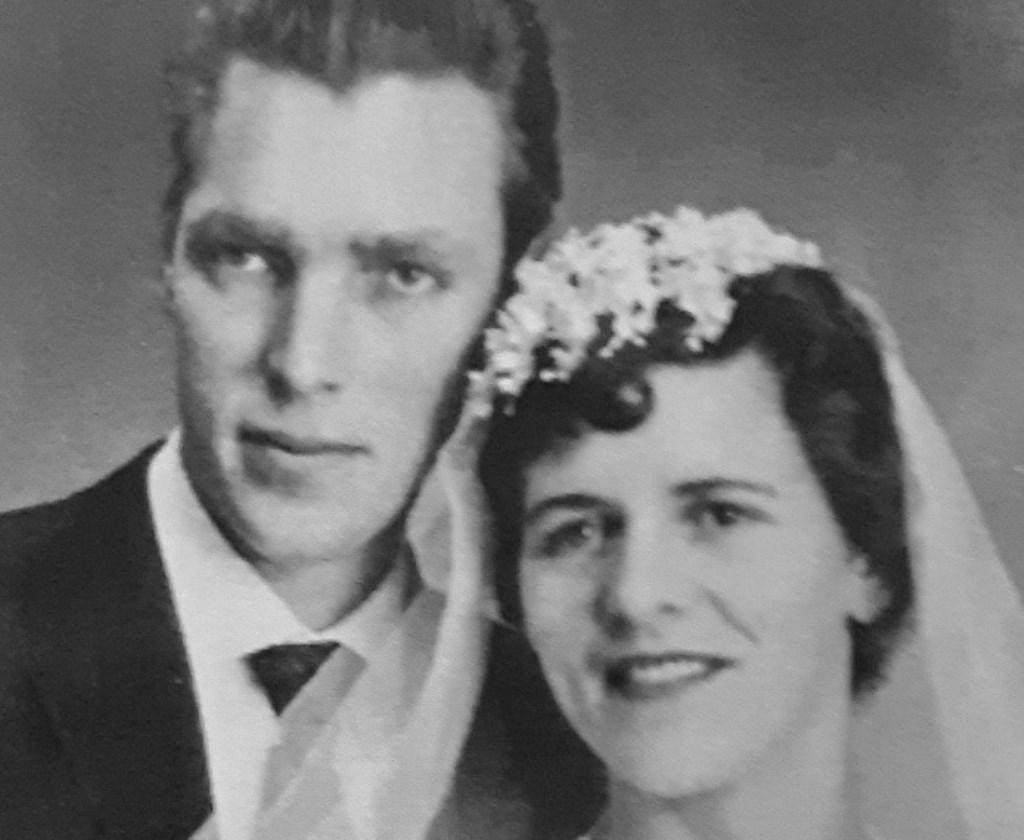 Rien en Joke van Merode zijn getrouwd op 2 januari 1960 in Hoeven.   FOTO PRIVÉBEZIT Foto: privébezit © Internetbode
