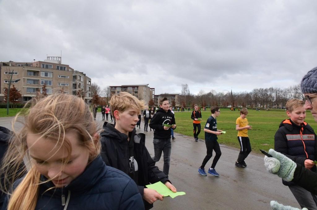 Brugklassers on the run. FOTO STELLA MARIJNISSEN Foto: Stella Marijnissen © Internetbode