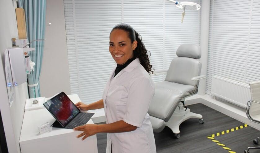 <p>Elizia Soares: &#39;Toen de kans om cosmetisch arts te worden vijf jaar geleden op mijn pad kwam, besloot ik ervoor te gaan&#39;&nbsp;</p>