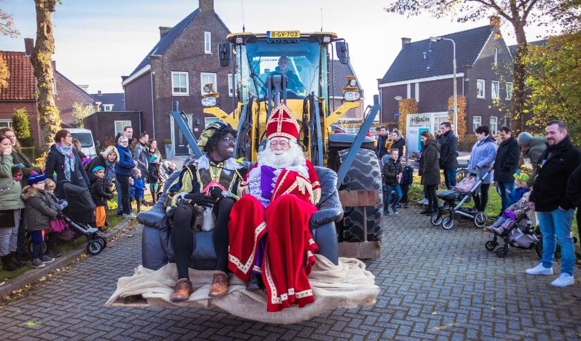 <p>Beeld van de intocht van Sinterklaas in Klein Zundert vorig jaar.&nbsp;</p>