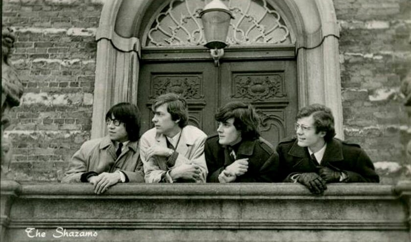 <p>The Shazams op het bordes van het stadhuis in Goes.</p>