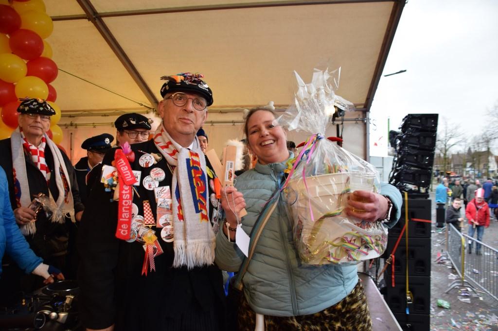 Winnares MaMi loterij derde prijs. FOTO STELLA MARIJNISSEN Foto: Stella Marijnissen © Internetbode