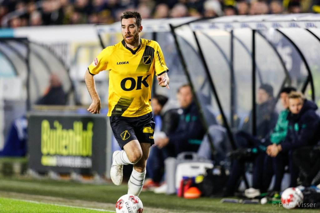 NAC wint van Almere City dankzij rake strafschop Jan Paul van Hecke Foto: Peter Visser © BredaVandaag