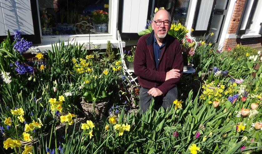 Voor Marcel de Lannoy kan er best nog een bolletje bij in zijn tuin.