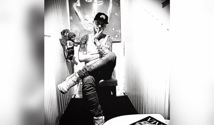 Michael Kluin in een ruimte in Atelier 8A. FOTO MICHAEL KLUIN