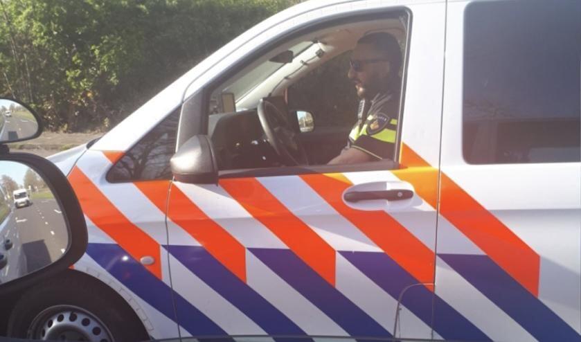 De twee wijkagenten wisten de veelpleger op heterdaad te betrappen.