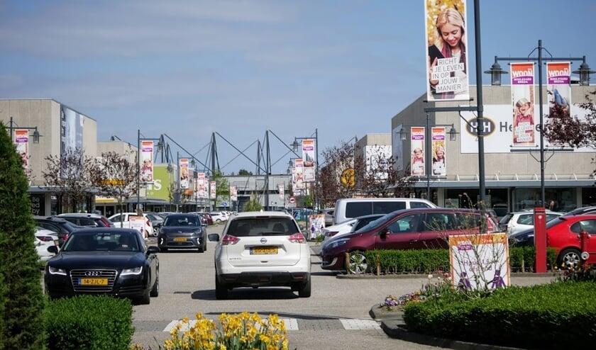Bredanaars bezoeken massaal Woonboulevard XXL tijdens Tweede Paasmiddag.
