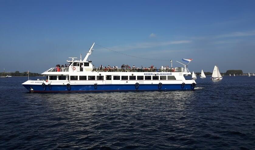 Een rondvaartboot van Rederij Dijkhuizen.
