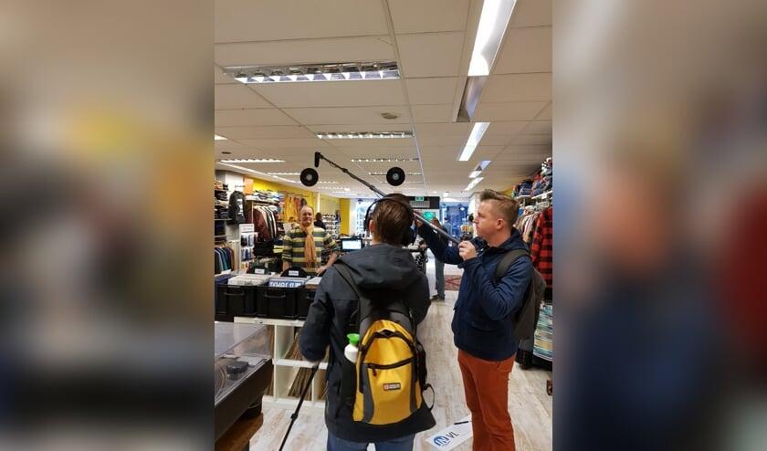 De ondernemers spreken het Vlissingse publiek aan via een filmpje dat In Vlissingen voor hen maakt.