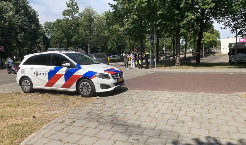 De politie kwam ter plaatse om te assisteren.