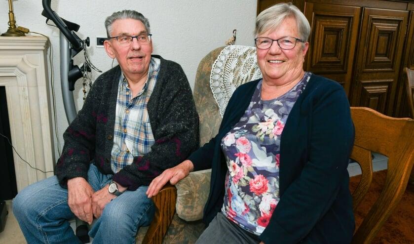 Jan en Mien zijn zestig jaar getrouwd: 'We wilden thuis mensen uitnodigen, maar door de maatregelen rond corona zijn we beperkt'